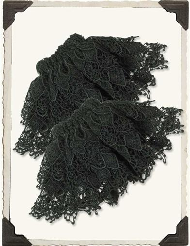 VENETIAN LACE CUFFS BLACK