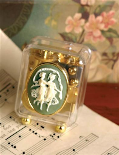 CAMEO MUSIC BOX (SISTERS/FRIENDS)