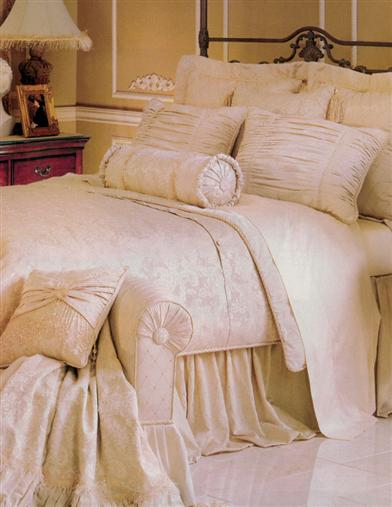 FRENCH VANILLA BED SET (KING)