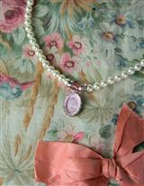 ROSE QUARTZ INTAGLIO NECKLACE