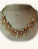 CLARET JEWELS NECKLACE