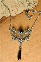 EBONY DROP NECKLACE