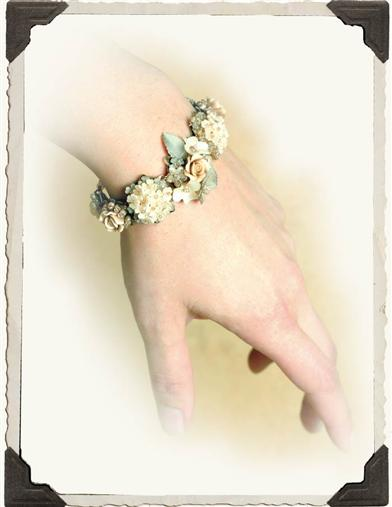 COLLEEN TOLAND CREAM OF ROSES BRACELET