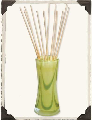 WOODWICK HAND-BLOWN GLASS OIL DIFFUSER