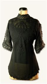HEIRLOOM BLOUSE (BLACK)