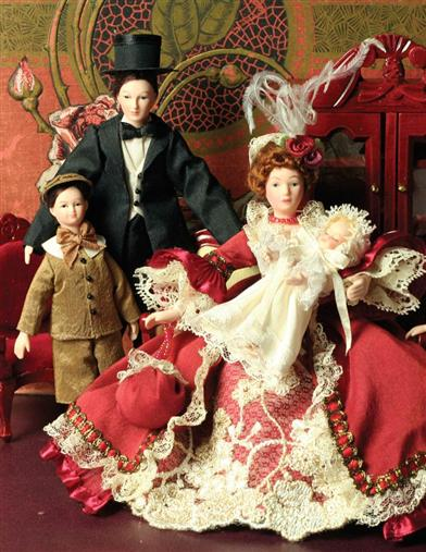 HAPPY FAMILY DOLLHOUSE DOLLS