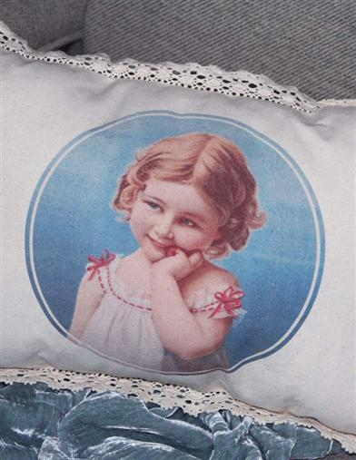MAGDALENA TOSS PILLOW