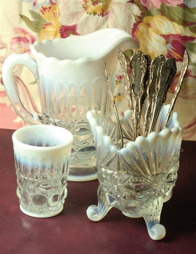 OPAL EYE WINKER PITCHER (CRYSTAL WHITE)