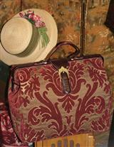 MARY POPPINS' CARPET BAG