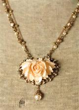 SERENGETTI ROSE NECKLACE