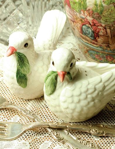 TWO TURTLE DOVES SALT & PEPPER SHAKERS