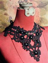 VENETIAN LACE BIB NECKLACE BLACK