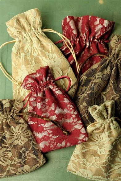 PRETTY LACE POUCHES (SET OF 6)