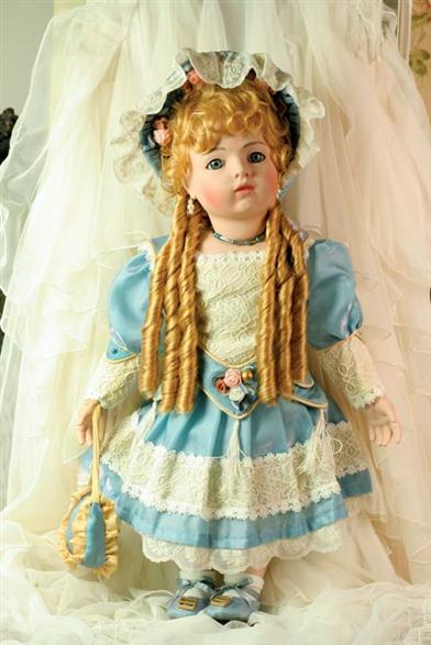 REPLICA GERMAN DOLL (ANNELIESE)