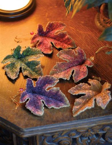SUGARED LEAVES ORNAMENTS (SET OF 5)