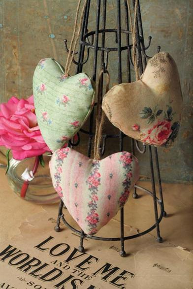 CHINTZ HEART FRAGRANCE SACHETS (SET OF 3)