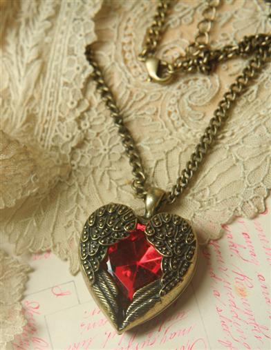 HEAVEN'S HEART NECKLACE