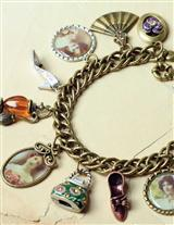 THE WOMEN OF VICTORIAN TRADING CO. CHARM BRACELET