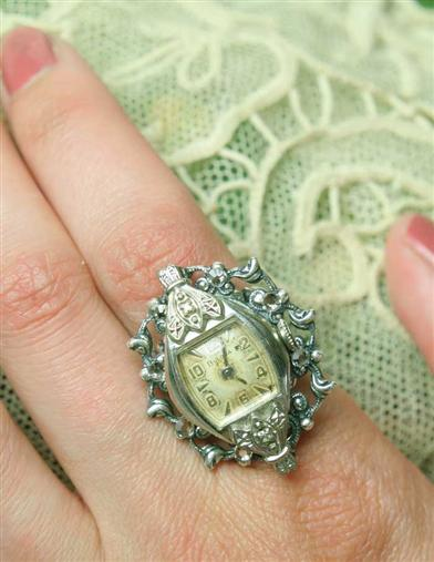 ANTIQUE WATCHFACE RING