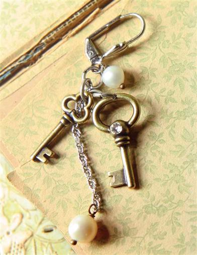 PARISIAN LOCK AND KEY EARRINGS