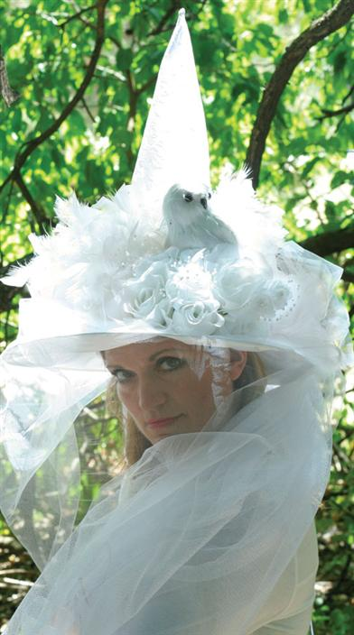 WISE WOMAN WHITE WITCH HAT
