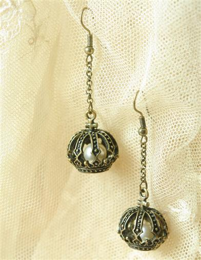 CROWNED PEARLS EARRINGS
