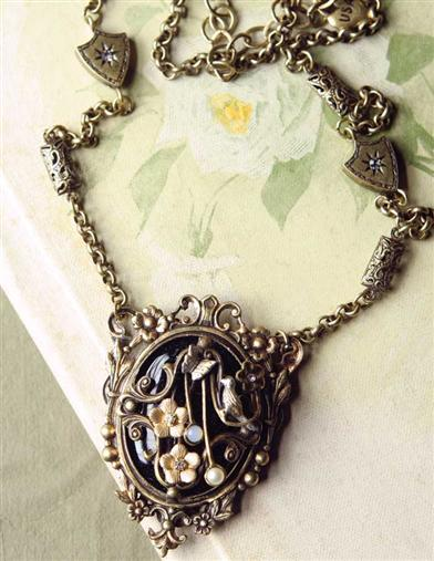 ENCHANTED GARDEN NECKLACE