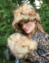 CALDECOTT FUR MUFF & HAT(WILD WEST WOLF BROWN)
