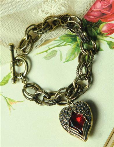 WINGED HEART BRACELET