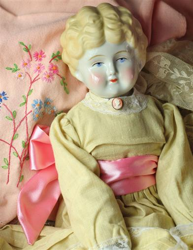 Fair Tess China Doll