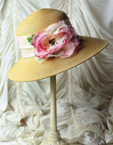 PEONY CRUSHABLE HAT AND HATBOX