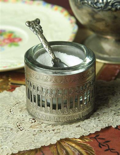 ELEANOR ROOSEVELT'S SALT CELLAR