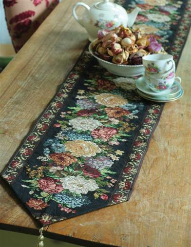 Bruges Perennials Table Runner