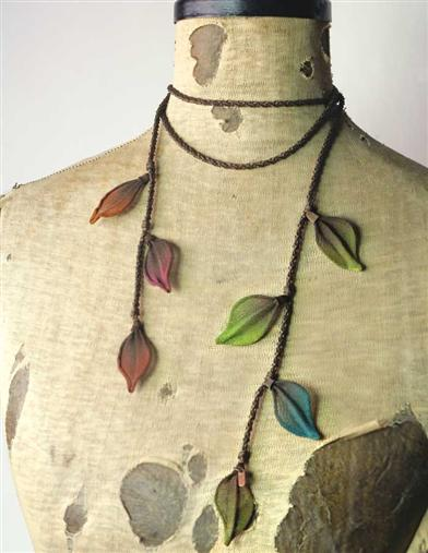 OMBRE ELM LEAVES LARIAT NECKLACE