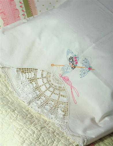 SOUTHERN BELLE CROCHET PILLOWCASE