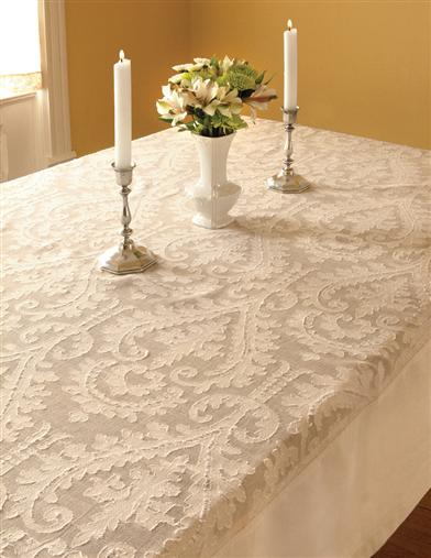 DOWNTON ABBEY DUNEAGLE TABLE LACE