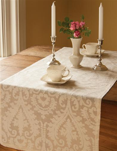 DUNEAGLE COLLECTION TABLE RUNNER