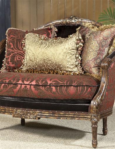 CHOCOLATE RASPBERRY SETTEE