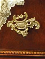 SMALL VERSAILLES DRAWER PULL