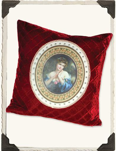A SUMMER ROSE PILLOW (SYNTHETIC DOWN)