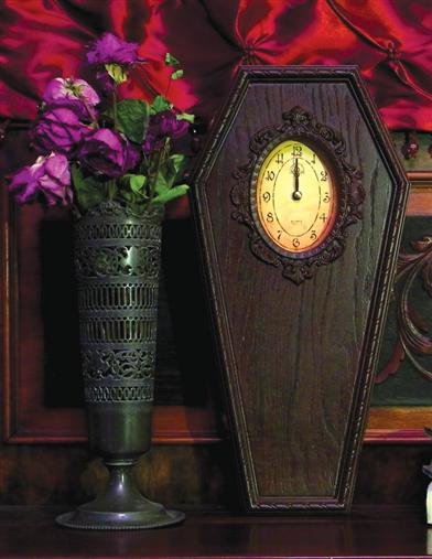 COFFIN CLOCK
