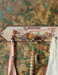Parisian Parfumerie Wall Hook (Savon Bouquet)