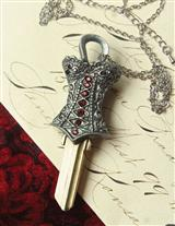 CORSET PENDANT COUTURE HOUSE KEY