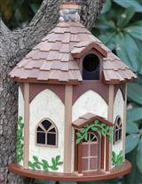 QUEEN'S HIDE-AWAY HAMLET BIRDHOUSE