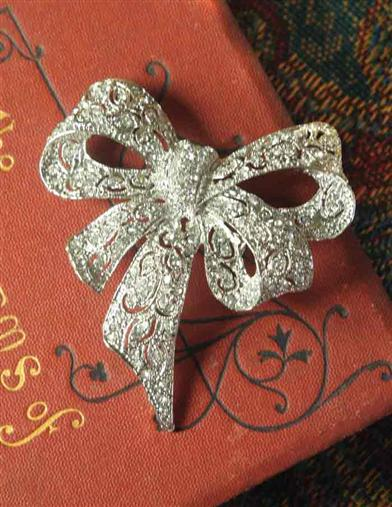 1930s Jewelry Styles and Trends Clara Bow Brooch $14.95 AT vintagedancer.com