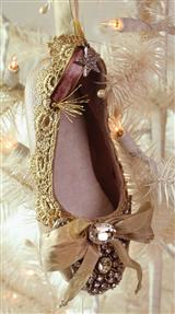 BALLERINA SLIPPER ORNAMENT
