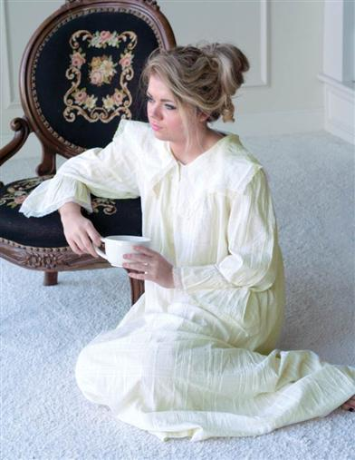 Vintage Inspired Nightgowns, Robes, Pajamas, Baby Dolls April Cornell Morning Nightie $89.95 AT vintagedancer.com