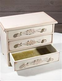 Madeleine Jewelry Chest