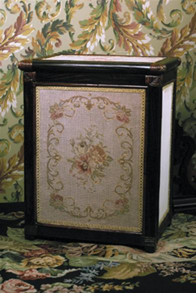 NEEDLEPOINT HAMPER (OLIVE)