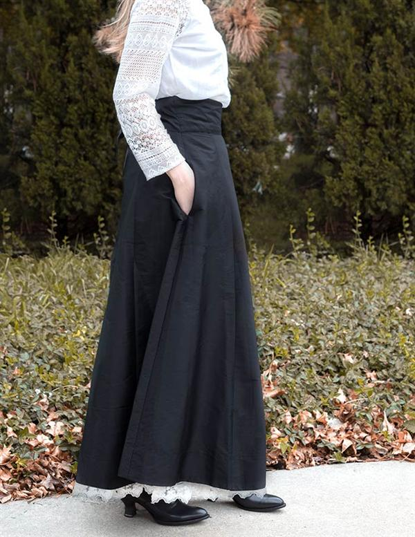Edwardian Ladies Clothing – 1900, 1910s, Titanic Era Black Taffeta Holiday Skirt Extra Extra Large $69.95 AT vintagedancer.com
